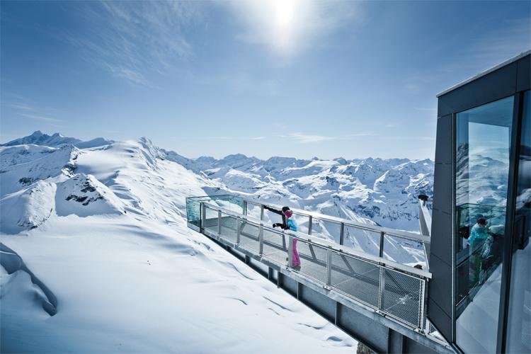 Het uitzichtpunt van Gipfelweld 3000 (Bron: kitzsteinhorn.at)